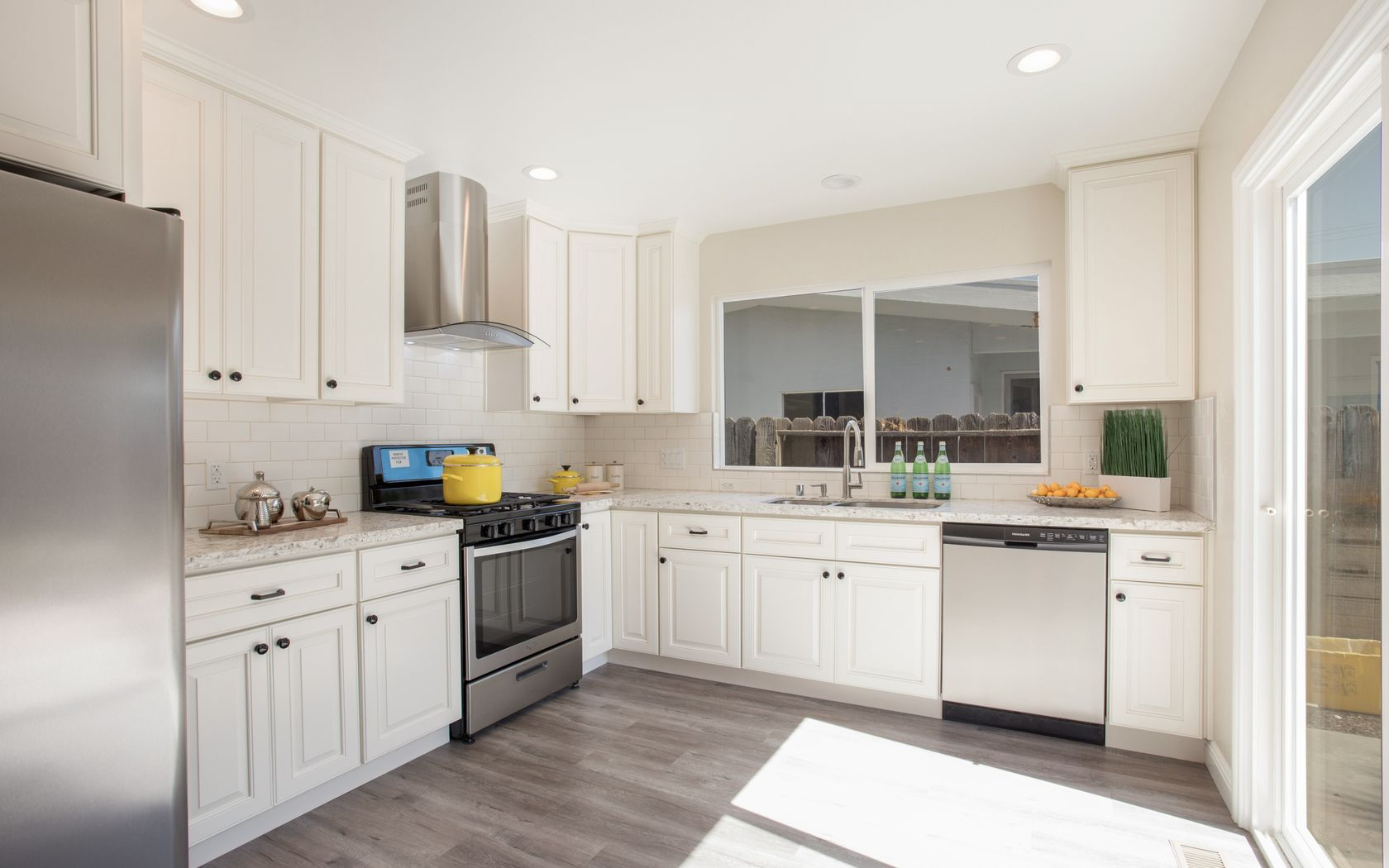 Zmc Cabinetry Customize Your Dream Kitchens